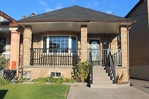 BEAUTIFUL 2BED 1BATH MAIN FLOOR STEPS TO TRANSIT & NEW LRT