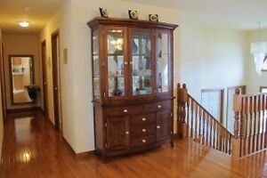 House For Sale in Great Location Windsor Region Ontario image 2