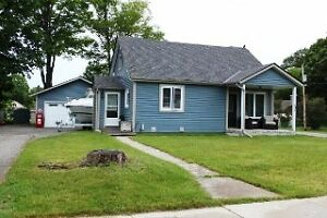 NEW GARAGE AND MOVE-IN READY IN GRAVENHURST