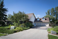 Stately 4100 sq ft 2-Storey 4 Bdrm Home in Niverville!