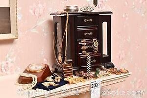 Jewelry Box. A