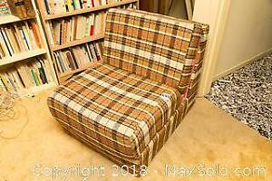 Vintage Pull Out Upholstered Lounger Chair B