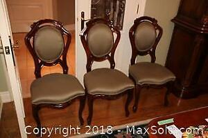 6 Dining Room Chairs C