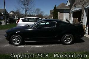 2005 Ford Mustang. VIN 1ZVFT80N955160221