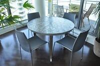 Table & chaises de cuisine