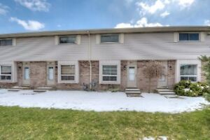 Lovely 3 Bedroom Condo on Highview Ave