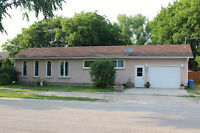Perfect 3 Bdrm Family Home only 8 min from Steinbach!