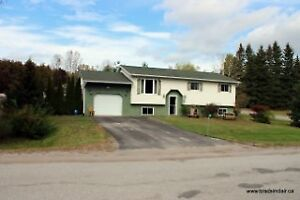 EXCELLENT FAMILY HOME- Omemee Area! Brad Sinclair Flat Rate