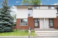 Spacious 3 bedroom townhome for rent in convenient Ottawa West l