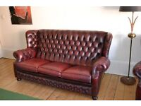 Beautiful leather 3 piece oxblood red chesterfield sofa & 2 armchairs