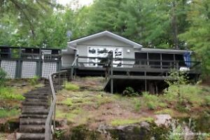 *Scenic Stoney Lake* Charming Cottage! Brad Sinclair Flat Rate