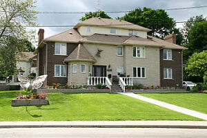 B&B Located in Niagara Falls, Ont- AMAZING OPPORTUNITY FOR SALE