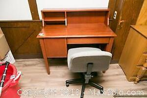 Desk And Office Chair C