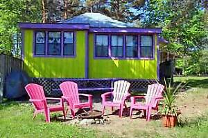FABULOUS!! COZY GREEN LAKE FRONT COTTAGE!!!!
