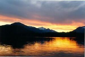 SPROAT LAKE WATERFRONT WEEKLY RENTAL  – SLEEPS 10