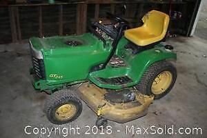 John Deere GT245 Lawn Tractor - C