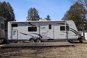 Roulotte 30 pieds 2008Trail Lite-(4800 lbs seulement)