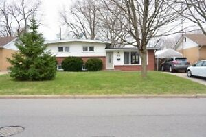 BEAUTIFUL HOUSE ON RENT IN EXCELLENT SOUTH WINDSOR NEIGHBOURHOOD