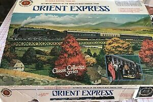 Bachmann Orient Express Train Box with Some Cars