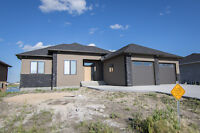 Beautiful 3 Bdrm Home Overlooks Lake in Niverville!