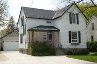 OPEN HOUSE Sunday 2:00-4:00 Modernized Classic 4 bed Home