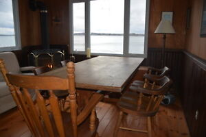 Harvest Table and 5 chairs Kawartha Lakes Peterborough Area image 1