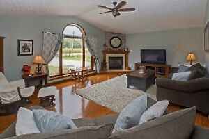 Feel the freedom -Spacious 4BR Raised Ranch with large lot London Ontario image 3