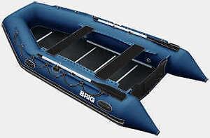 Bateau style Zodiac Brig 380 pratiquement neuf un seul été