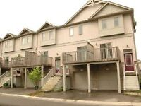 Great 3 bedroom executive townhouse in Waterloo!