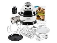 Airfryer with rotisserie function and includes accessory pack