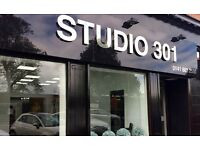 HAIR STYLIST AND MUA POSITIONS AVAILABLE FOR BUSY SOUTH SIDE OF GLASGOW SALON