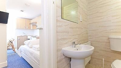 Studio Swiss Cottage long Lets £300 Per week All bills and WIFI