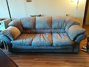 couch for sale in Good Condition