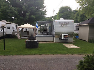 ROULOTTE FOUR WINDS  34pds CAMPING MIRABEL