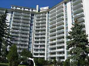 Renovated High-Rise in Cote St. Luc!