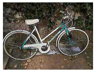 Vintage Challenge Royale 3-Speed Size-19 Ladies Bike in Full Working Order