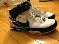Size 8.5 Nike Elite Women's Basketball Shoes