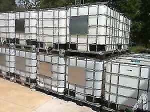 1000liter plastic water totes OVERSTOCKED London Ontario image 2