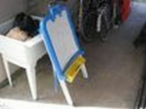 easel fisher price $10