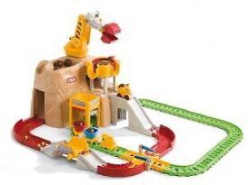 Little tikes construction rail and crane set