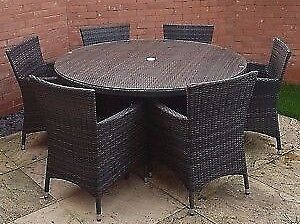 Large outdoor garden / patio rattan round table & 6 / six chairs