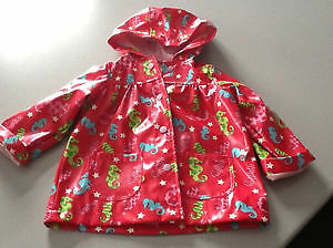 Toddler rain coat, size 18-24 months, good condition London Ontario image 1