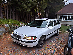 Looking for a Volvo V70
