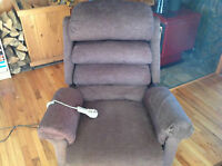 VERY CLEAN ELECTRIC POWERED MEDICAL LIFT RECLINER