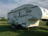 2005 Grand Surveyor 5th wheel bunk house by Forest River