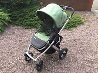 UPPAbaby 2012 Vista Stroller - Can be suited for 3 baby/toddler!