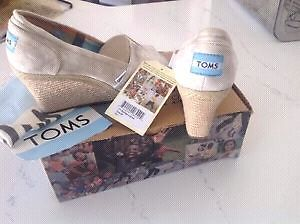 New TOMS Wedges - Size 6.5/7 Peterborough Peterborough Area image 3
