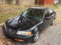 Acura 2000 el berline 2200$ Negociable