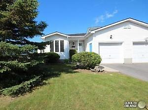 Exceptional 3 Bedroom Bungalow - Fully Equipped - Amherstview