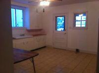 2 bedroom groud-floor apartment